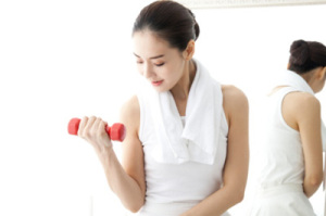 3 bài tập giúp giảm mỡ bụng hiệu quả trước khi đi ngủ